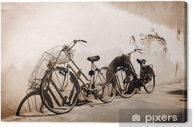 Leinwandbild Italian old-style Fahrrädern an eine Wand gelehnt - Themen