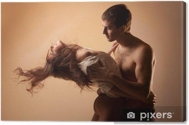 paar nackt umarmen