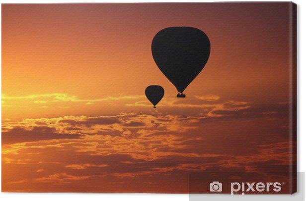 Leinwandbild Luftballons fliegen in den frühen Morgen roten Himmel - Urlaub