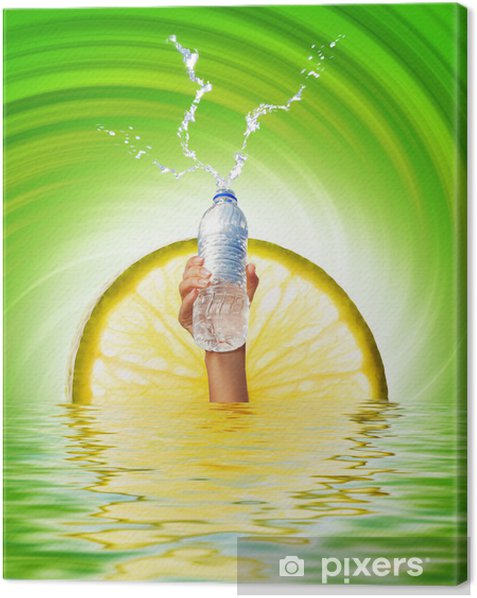 Leinwandbild Menschliche Hand, eine Flasche Wasser - Körperteile