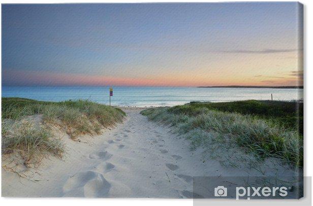 Leinwandbild Sandstrand in der Spur in der Abenddämmerung Sonnenuntergang Australien - Ozeanien