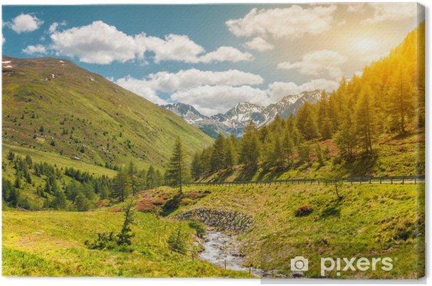 Obraz na plátně Barevné Alpine scenérie s zapadající slunce dolů - Hory
