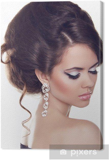 730979f52699 Obraz na plátně Módní portrét Krásná žena s kudrnatými vlasy a večer ...