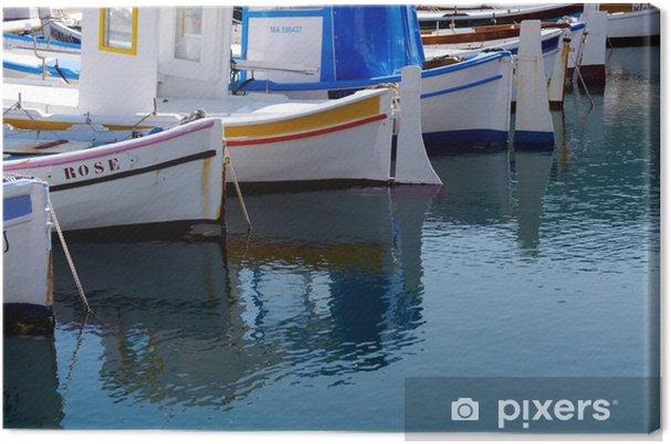 b608fbc7e Obraz na plátně Rybářské lodě odráží ve vodě • Pixers® • Žijeme pro ...