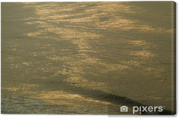 Obraz na plátně Zlaté vlny oceánu - Voda