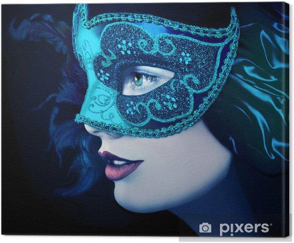 Obraz na płótnie Bliska, Portret kobiety w niebieskiej masce - Kobiety