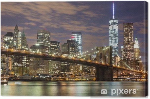 Obraz na płótnie Brooklyn Bridge i wieżowce downtown w Nowym Jorku na zmierzchu -