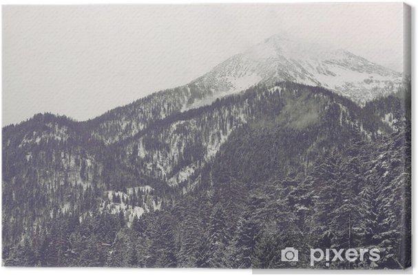 Obraz na płótnie Chmury się nad odległym szczytem - Krajobrazy