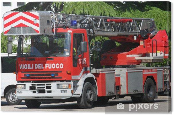 Obraz na płótnie Ciężarówka z drabiny straży pożarnej przybywa prędkości na pl - Życie