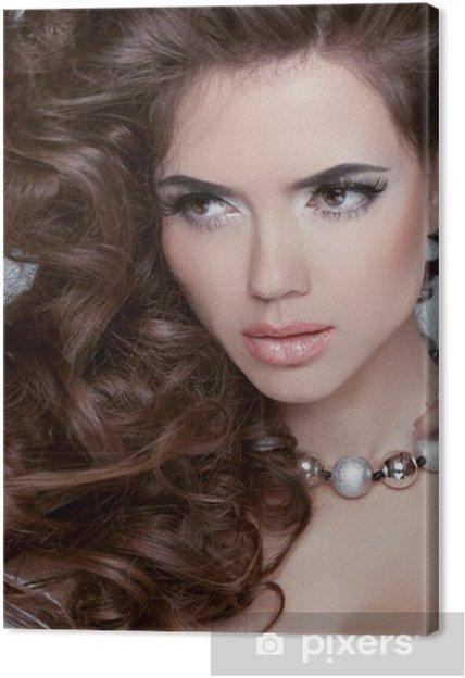 Obraz Na Płótnie Długie Falowane Włosy Piękna Brunetka Kobieta Z Kręcone Fryzura