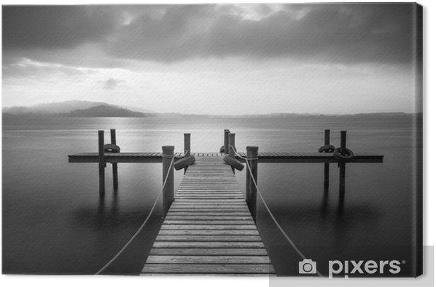 Obraz na płótnie Drewniane molo nad jeziorem Zug, Szwajcaria. Długa ekspozycja. Czarny i biały. - Krajobrazy