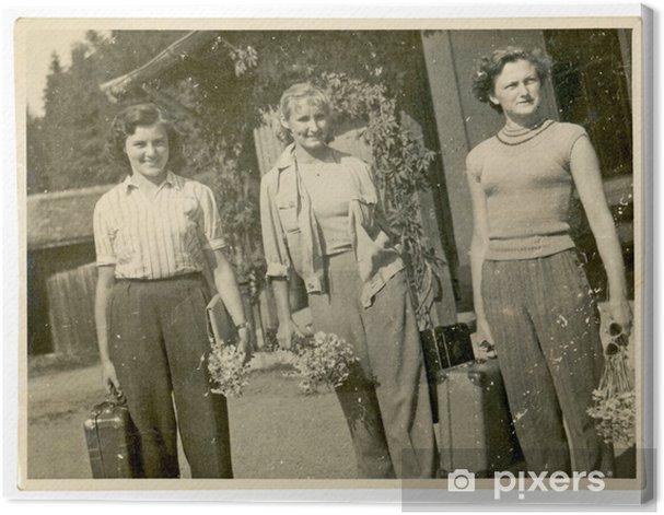 Obraz na płótnie Dziewczyny przylot na święta (na stacji kolejowej) - około 1950 - Kobiety