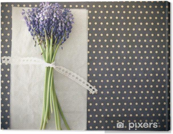 Obraz na płótnie Fioletowe kwiaty, wiosna, z kokardką - Święta Narodowe