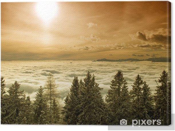 Obraz na płótnie Foggy valley - Europa