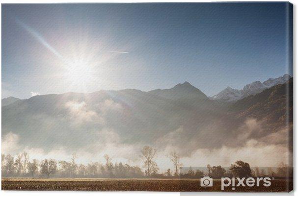 Obraz na płótnie Górskiej dolinie w mgle - Pory roku