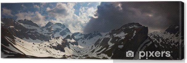 Obraz na płótnie Grożący - Góry