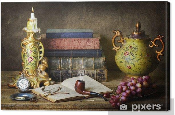 Obraz na płótnie Klasyczna martwa natura z antykami, starych książek, starych rur, okulary, zegarek kieszonkowy i winogron na drewnianych tabeli. - Jedzenie