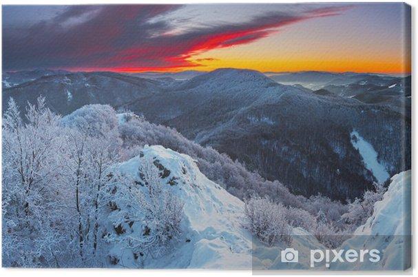 Obraz na płótnie Majestic sunrise w krajobrazie gór zimą - Tematy