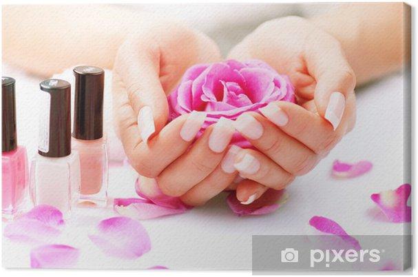 Obraz na płótnie Manicure i Hands Spa. Piękna kobieta Ręce Zbliżenie - Uroda i pielęgnacja ciała