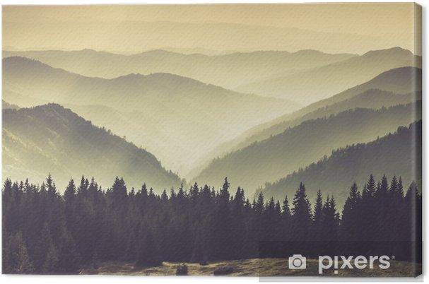 Obraz na płótnie Mgliste górskie zbocza - Krajobrazy