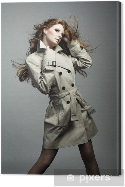Obraz na płótnie Moda portret młodej pięknej kobiety w płaszczu - Kobiety