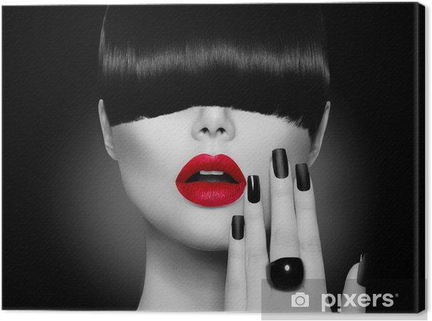 Obraz na płótnie Modelka dziewczyna z modnych fryzur, makijażu i manicure - Moda