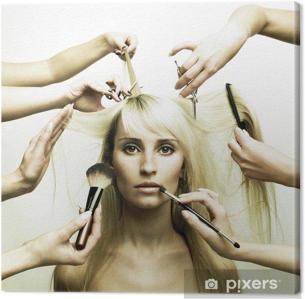 Obraz na płótnie Modelu i ręce stylistów - Moda