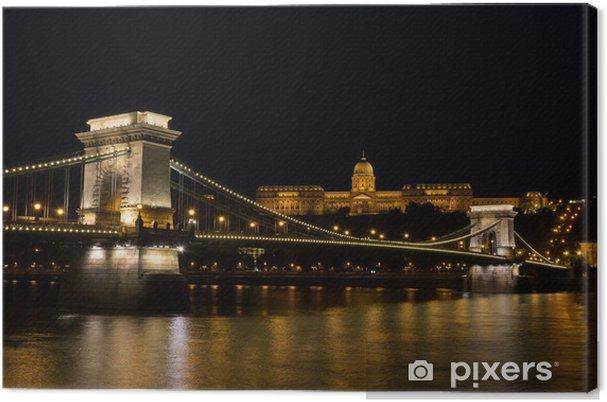 Obraz na płótnie Most Łańcuchowy Budapeszt Węgry oświetlone w nocy ze starym pala - Pejzaż miejski