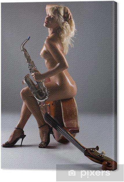 Obraz na płótnie Naga kobieta z saksofon siedzi na starym kontrabas - Tematy
