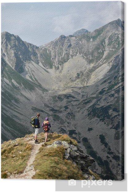 Obraz na płótnie Para turystów podziwiać krajobrazy w Tatrach - Europa