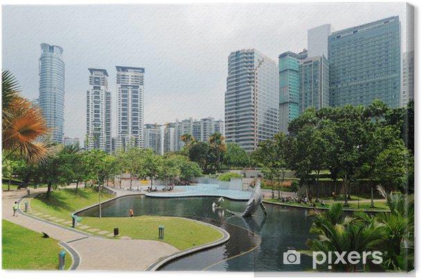 Obraz na płótnie Park miejski w nowoczesne budynki w centrum Kuala Lumpur - Azja