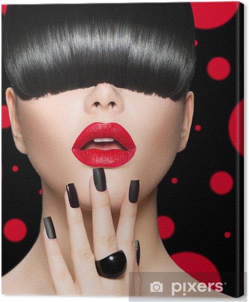 Obraz na płótnie Portret dziewczyny z modelu Fryzura, makijaż Trendy i manicure - Moda