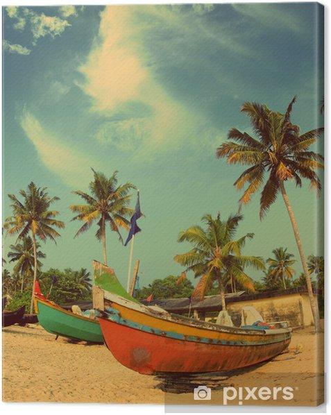Obraz na płótnie Stare łodzie rybackie na plaży - w stylu retro, vintage - Tematy