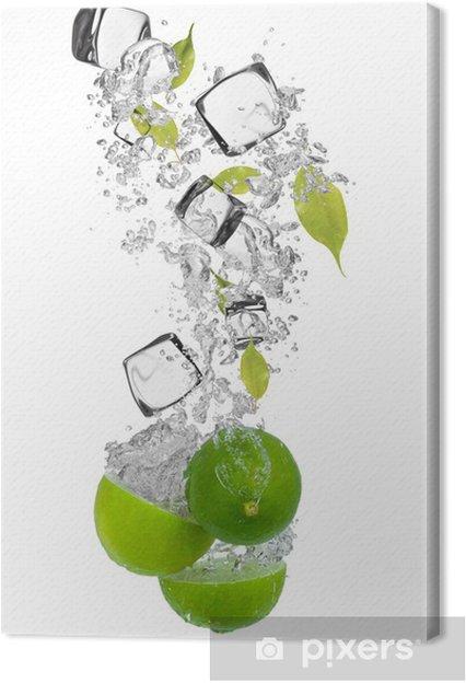 Obraz na płótnie Świeże limonki wchodzące w plusk wody - Przeznaczenia