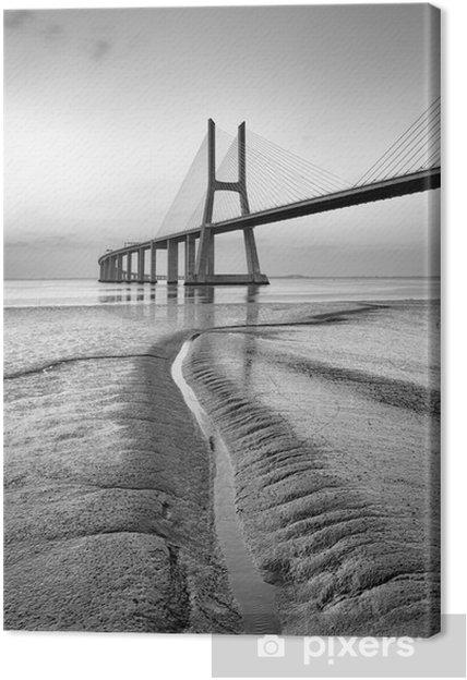 Obraz na płótnie Vasco da Gama most w czerni i bieli, Sunrise Lizbonie - Budynki i architektura