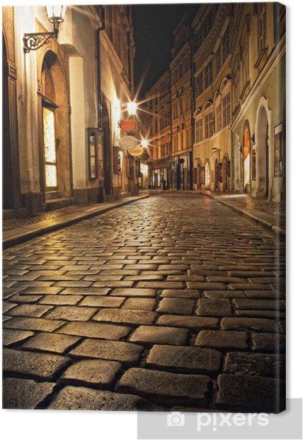 Obraz na płótnie Wąska uliczka z latarniami w Pradze na noc - Praga