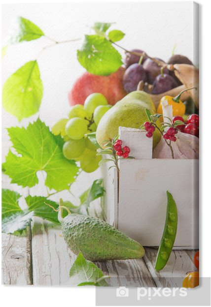 Obraz na płótnie Zdrowe organiczne warzywa na drewnianym stole - Warzywa