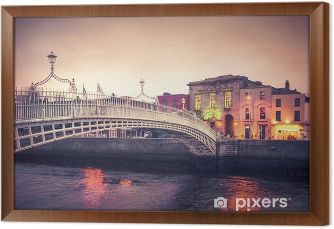 Obraz na płótnie w ramie Styl vintage historyczne Ha'penny Bridge, Dublin Irlandia o zmierzchu - Tematy