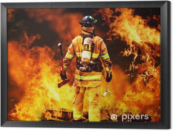 Obraz na płótnie w ramie W do ognia, strażak szuka ewentualnych ocalałych - Zawody