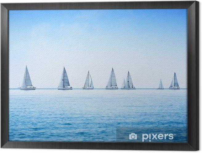 Obraz na płótnie w ramie Żaglówka jacht regaty wyścig na wodzie morza lub oceanu - Morze i ocean