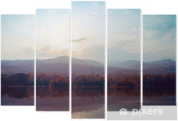 Landskab af sø bjerge i efteråret - vintage stilarter. Pentatykon - Landskaber