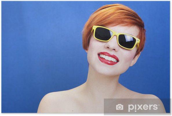 c4ccff0df338 Dejlig pige iført solbriller Plakat • Pixers® - Vi lever for ...