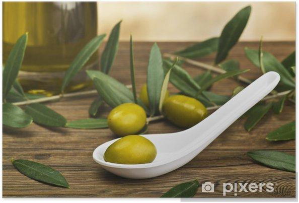 a0d2bda77 Plakat Grønne oliven i skje med flaske og blad.