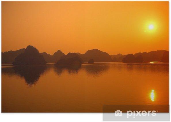 Plakát Baie d'allong au coucher de soleil - Asie