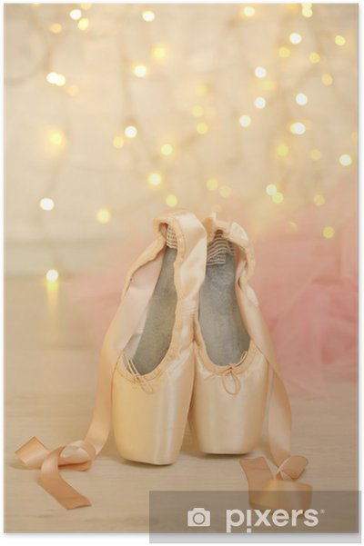 Plakat Balet pointe buty na podłodze na tle bokeh - Inne przedmioty