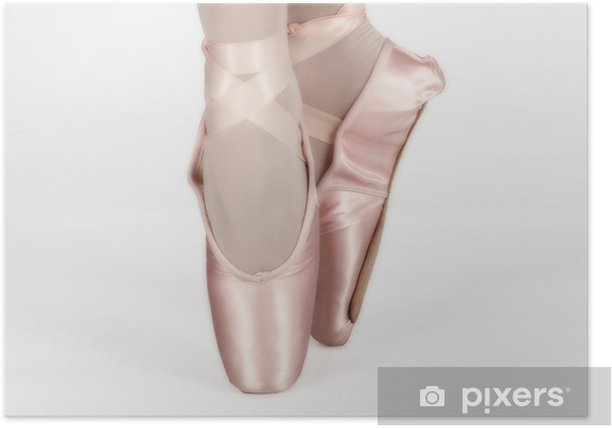 Plakát Baletní tanečník stojí na nohou při tanci uměleckou conversi - Žena