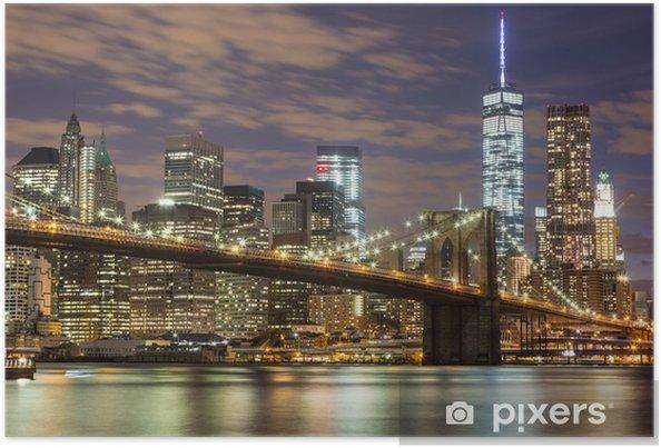 Plakat Brooklyn Bridge i wieżowce downtown w Nowym Jorku na zmierzchu -