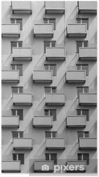 Plakat Budynek z identycznymi balkonami i oknami z cieniem na ścianie - Budynki i architektura