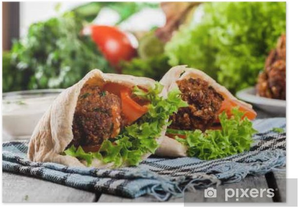 Plakat Chleb pita z falafel i świeżymi warzywami - Jedzenie
