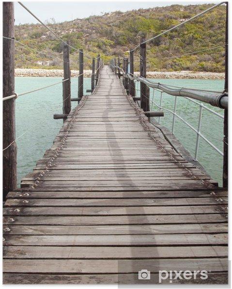 Plakat Długi Drewniany most wiszący nad laguną - Woda